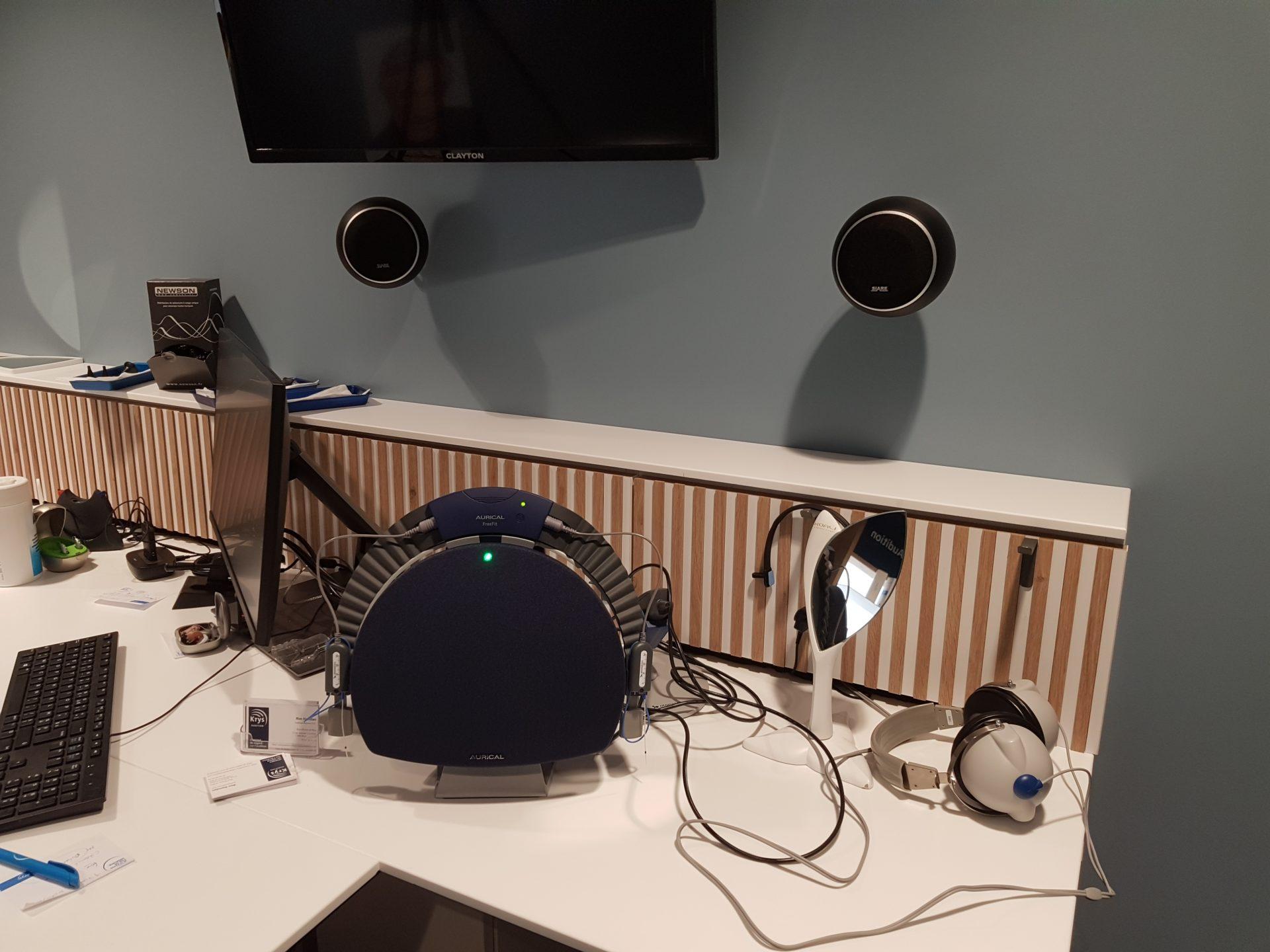 Acoustique d'une cabine audio prothétique